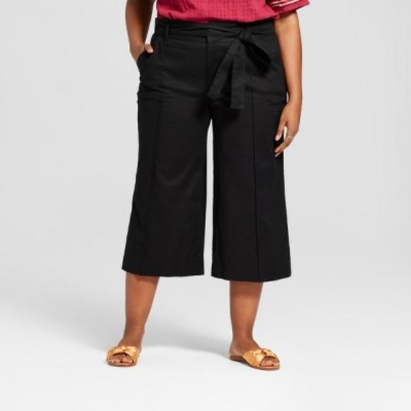 8a974c3edd1 Ava   Viv Plus Size Tie Front Woven Crop Pants